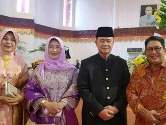Almarhum Nasrul Abit bersama Suryadi Asmi.