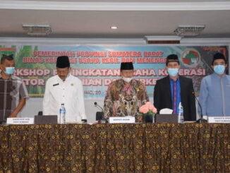 Bupati Agam bersama Anggota DPRD Sumbar, H. Rinaldi,SP di Sakura hotel syariah. Lubuk Basung.