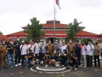 Bupati Eka Putra bersama atlet dan pelaih asal Tanah Datar.