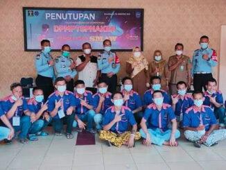 Kepala Dinas PMPTSPNaker Kota Sawahlunto Dwi Darmawati, S.H dan Kepala Rutan Kelas II B Sawahlunto serta 16 Orang Warga Binaan.