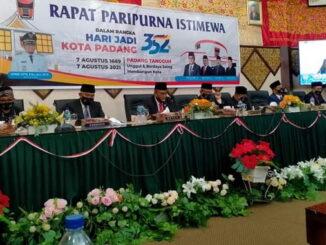 Rapat Paripurna Istimewa DPRD Kota Padang.