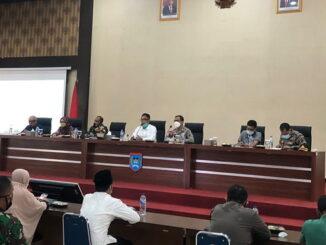 Rapat evaluasi tracing dan testing penanganan Covid 19 di Payakumbuh.