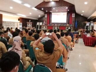 Rapat koordinasi yang dipimpin Bupati Yudas Sabaggalet.
