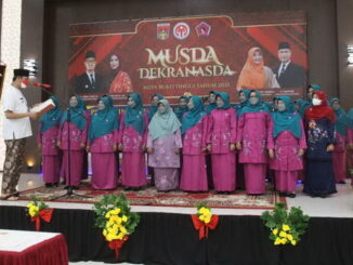 Wako Erman Safar melantik pengurus GOW Bukittinggi.