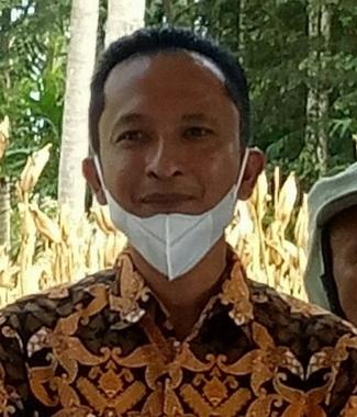 Wali Nagari Sikucua Barat Kec Kampung Dalam Padang Pariaman Rafi'i.