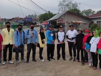 Wawako Erwin Yunaz bersama mahasiswa yang KKN di Pyakumbuh.