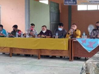 Zarfi Deson saat berkunjung ke Mentawai.