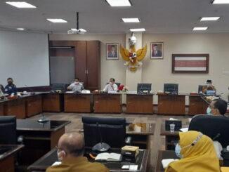 Bapemperda DPRD Sumbar, Hidayat saat menyambut kunjungan kerja Anggota DPD RI Muslim M Yatim.