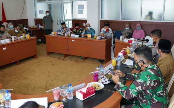 Diskusi politik yang digelar Pemkab Solok.