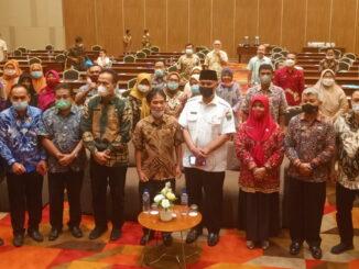 Gubernur Sumbar Mahyeldi pada Rapat Koordinasi Penyusunan Program Penyuluhan Pertanian Provinsi Sumbar tahun 2021.