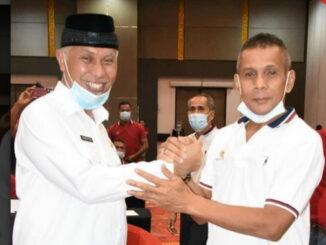 Ketua KONI Sumbar bersamaGubernur Mahyeldi.