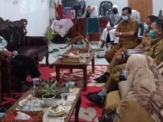 Kunjungan Tim Pembina UKS Sumbar saat berkunjung ke Solok Selatan.