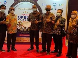 Penghargaan Top BUMD Award yang diraih Perumda Tirta Sago Payakumbuh.