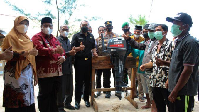 Penyerahan Bantuan Untuk Nelayan dari Pemprov Sumbar