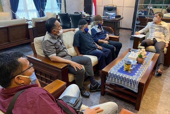 Pertemuan tim engan Walikota Sawahlunto, Deri Asta.