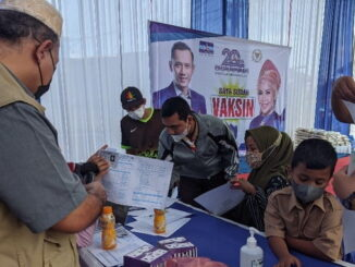 Vaksinasi Covid-19 dalam rangka Bulan Bhakti Partai Demokrat.