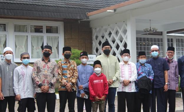 Wagub Audy Joinaldy bersama peserta STQ.