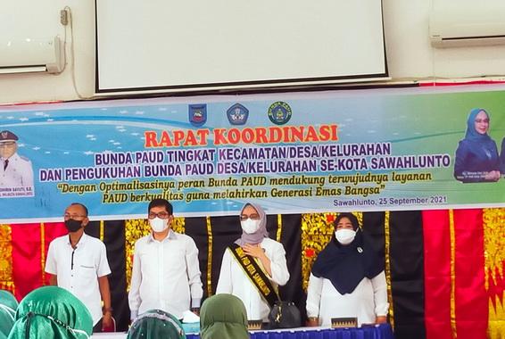 Wako Deri Asta bersama Bunda PAUD Kota Sawahlunto.