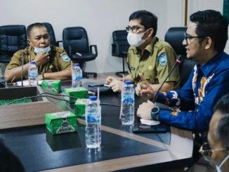 Walikota Sawahlunto, General Manager Transmart Padang dan Kepala Disperindagkop Kota Sawahlunto.