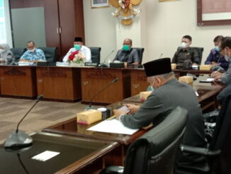 Walikota Solok Zul Efian saat audensi dengan Ketua DPRD Sumbar Supardi dan anggota DPRD Sumbar dari Dapil VII