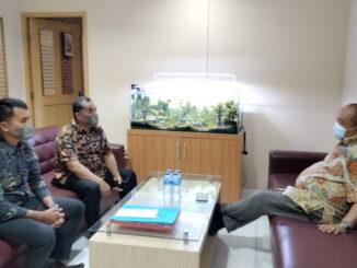Kadis Dikbud Payakumbuh Dr.Dasril S.Pd.M.Pd didampingi Fiqih Rahmad bersama pelaksana Program Sekolah Penggerak Eko Susanto di Jakarta.