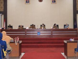 Rapat koordinasi dan evaluasi penyaluran pupuk bersubsidi di Aula Ngalau Indah, lantai III balai kota Payakumbuh.