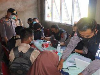 Suasana vaksinasi di SMPN 2 Batusangkar.